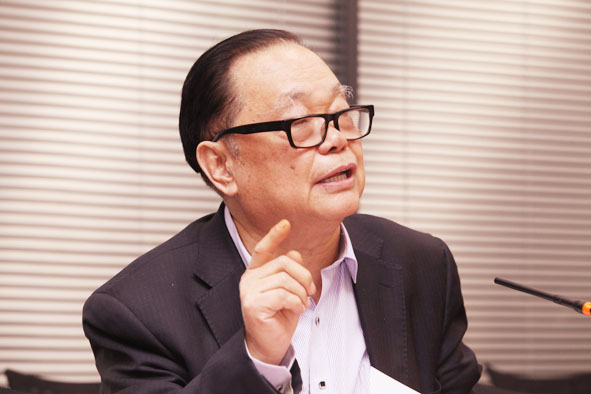 牛凤瑞  中国国际城市化发展战略研究委员会委员、中国社科院城市发展与环境研究中心原主任、中国城市经济学会副会长