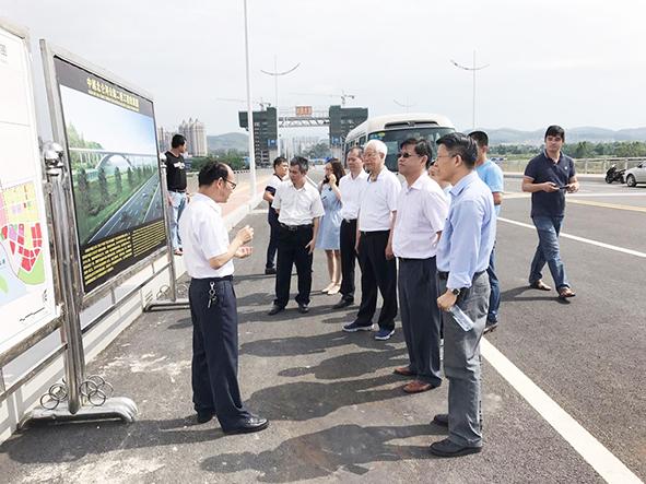 城市化委员会考察广西东兴市城镇化建设情况