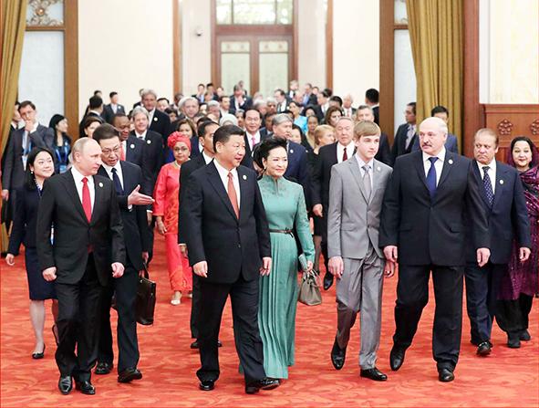 """国家主席习近平欢迎出席""""一带一路""""国际合作高峰论坛的外方代表团团长及嘉宾"""