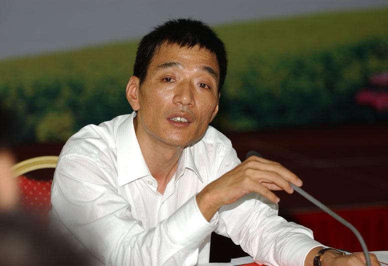 莫剑荣:保亿集团股份有限公司董事长兼总裁