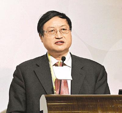 肖金成:中国国际城市化发展战略研究委员会委员、国家发改委宏观经济研究院研究员、中国区域科学协会副理事长。