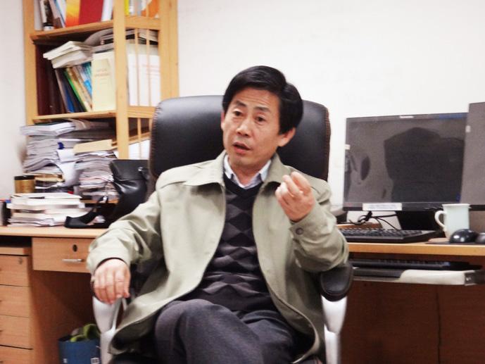 蓝海涛   国家发改委产业经济与技术经济研究所农村室主任。
