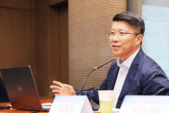 李津逵  中国国际城市化发展战略研究委员会副主任、 中国(深圳)综合开发研究院资深研究员