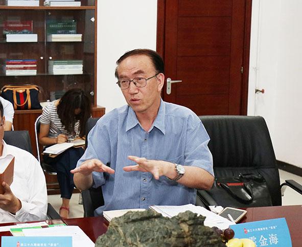霍金海   中国国际城市化发展战略研究委员会委员、贸促会建设行业分会发展部原主任