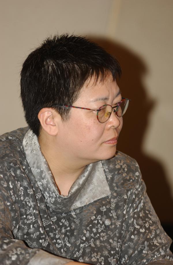 张  越:中央电视台节目主持人