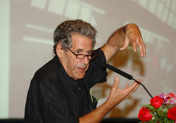 大卫・格林伯格(DAVID):美国知名的生态建筑和城市设计专家