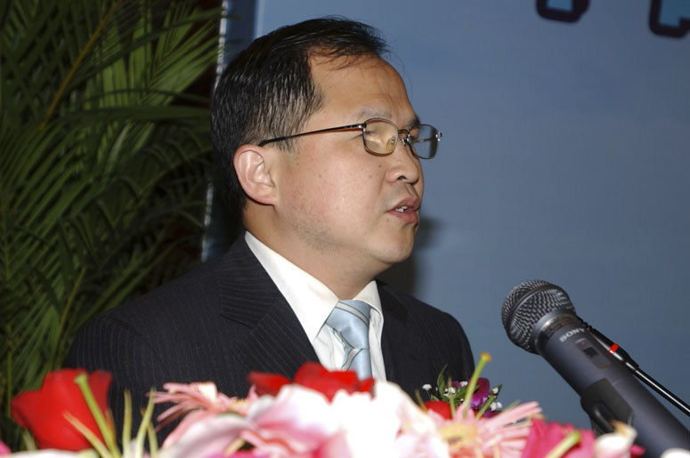 胡伟:上海交通大学国际与公共事务学院院长