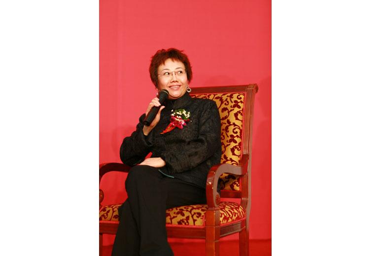 刘博 北京依莲轩房地产开发有限责任公司董事、总经理